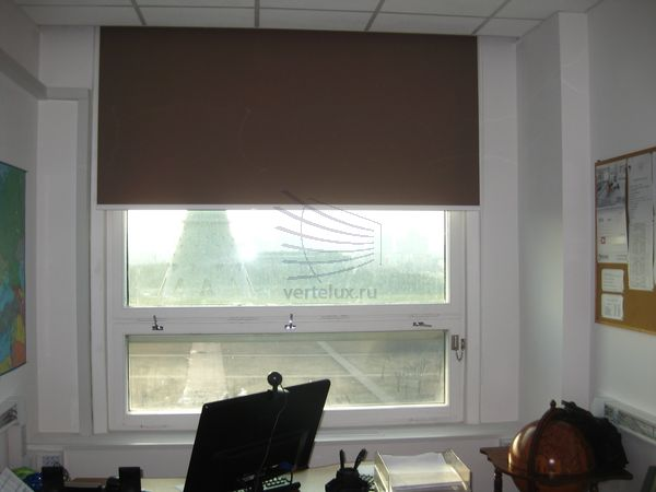 Рулонные шторы больших размеров в телецентре