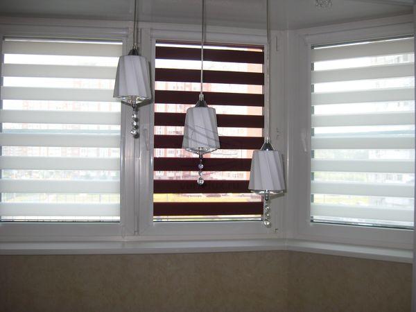 Рулонные шторы день-ночь белый с красным