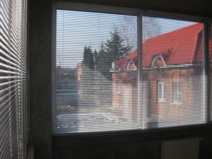 Горизонтальные жалюзи на окна