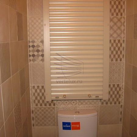 Рольставни в туалет в Леруа Мерлен