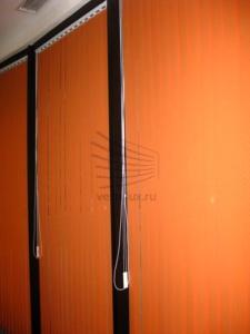 Вертикальные жалюзи в автосервис внутри