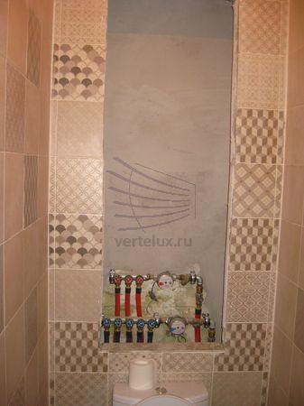 Сантехнические рольставни в туалете